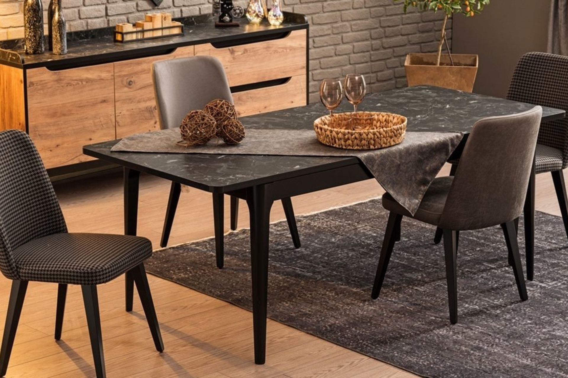 Eidos Extendable Dining Table