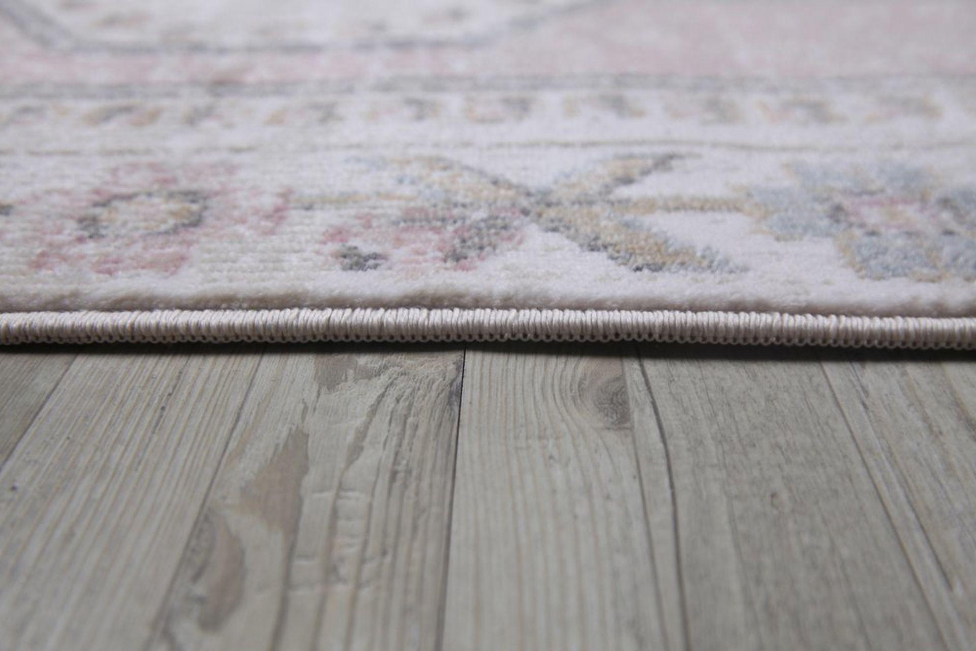Aurora Traditional Antique Rug, 160 x 230, Grey & Pink